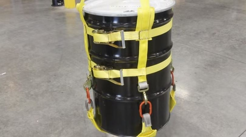 4 Benefits of Drum Handling Slings & Risks when handling drums